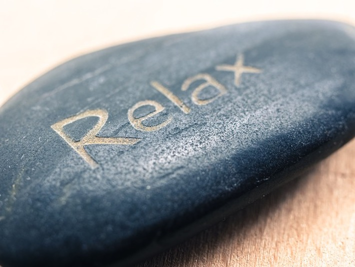 "A stone bearing the word ""Relax""- a concept image for treatment with Happy Gas"