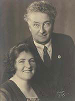 An image of Joseph and Enid Lyons